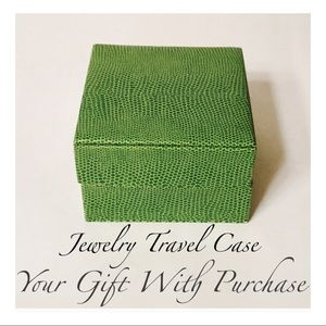 Accessories - Jewelry Travel Case - Free Gift With Purchase